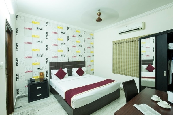 All our apartments are completelyprivate, non-sharingand self-catered residences available for flexible rentals across Daily, Weekly & Monthly Stays with long-stay discounts.Offering a uniquehome-away-home, we are the ideal alternate to expensive Hotels, cramped Guest Houses & 'shared' Serviced Apartments of Hyderabad!