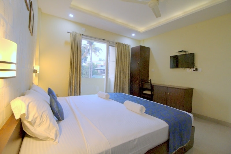 Hotels Near Railway Station in Kochi,  We are situated behind Ernakulam Town Railway Station, Air-conditioned rooms , unlimited WiFi and Parking. The Best Budget Boutique Hotel of Kochi.