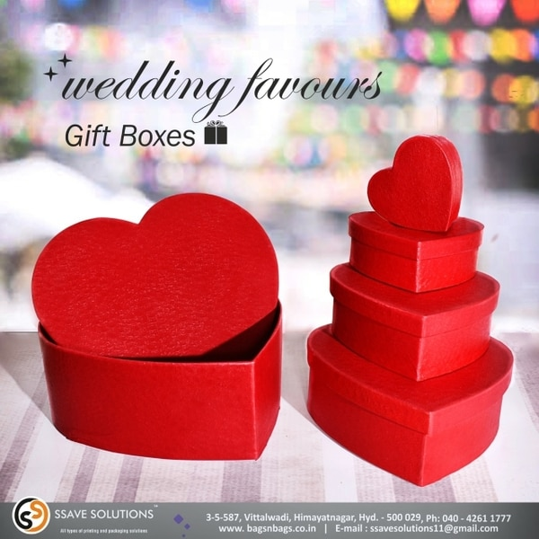 Pretty gift boxes for wed