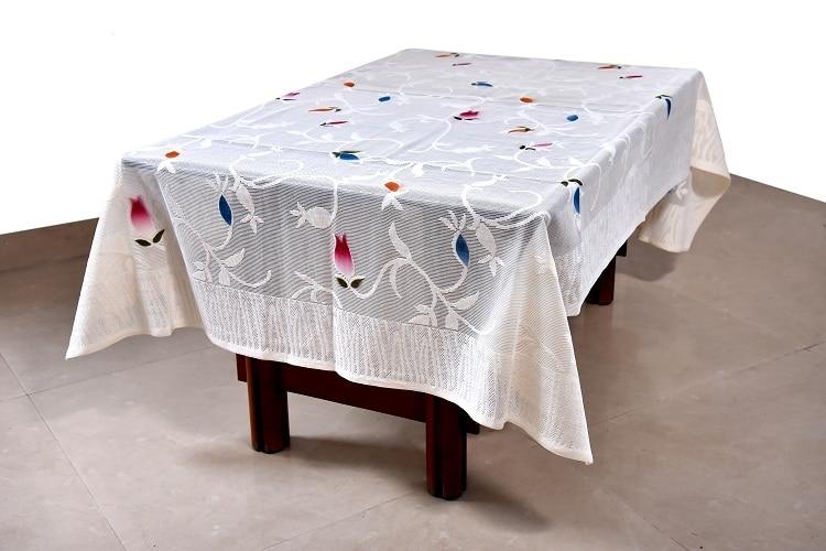 Table cloth white /creame colo