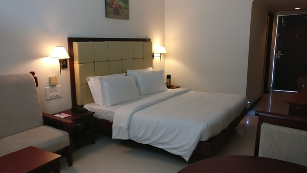 Warmly decorated rooms, feature WI FI and flat screen TV, upgraded rooms and suite add separate sitting areas room service is available.    including luxury, comfort and convenience that assures of keeping your memories infact forever, then 3 star hotel kovilakam chosen for holidays.