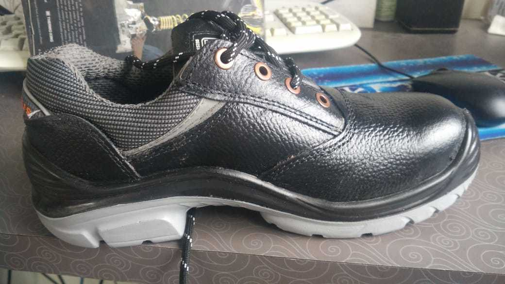 28a0f56c6c614c Hillson safety shoes supplier in Pune Hillson Dealer in Pune Nucleaus  saftey shoes supplier in Pune Nucleaus hillson make shoes supplier in Pune  Hillson ...