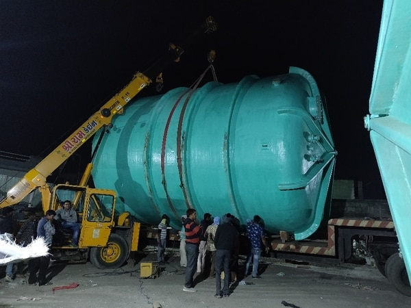 200KL FRP TANK, designed and manufactured by us. The service of this tank is for storage of HCl acid. Installation is above ground. The tank is being manufactured and dispatched in a single piece. Large sized tank with Diameter of 6000mm and height of 7500mm.This tank can also be used to store Hypo ( bleaching lye solution) , waste water from sugar industry or food industry, petroleum refinery, aklai plants, caustic plants, fertilizer industry. And many more across India and world over.