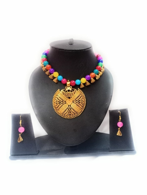 Artificial jewellery for