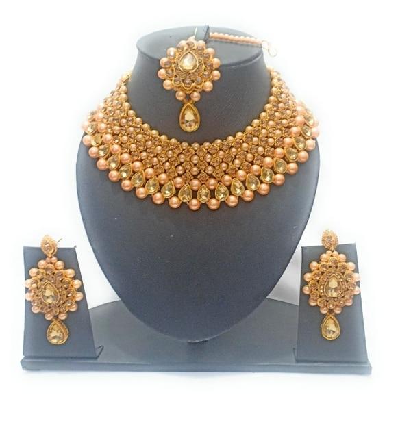 Artificial jewellery byta