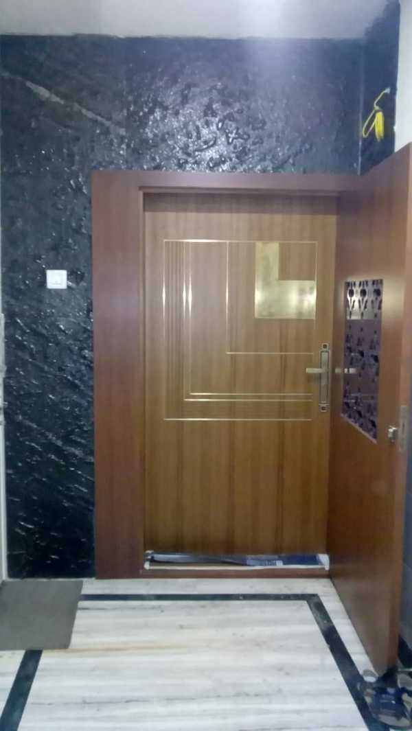 This veneer finished main door along with the inlay designs, will definitely expose your art of living.Lorem designs is all about giving something good/nice and best in all our interior projects.