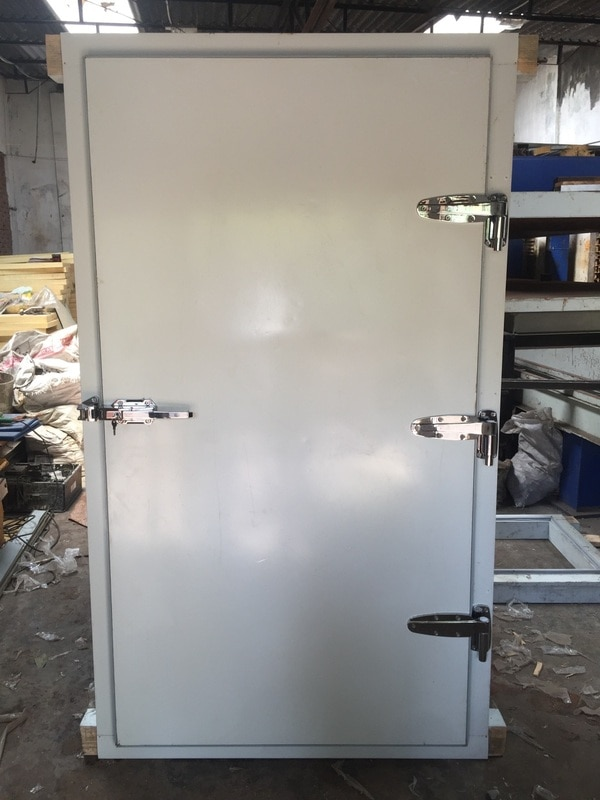 COLD STORAGE DOOR For Chiller room, we completely