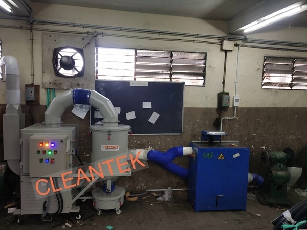 Rubber Dust Collector man